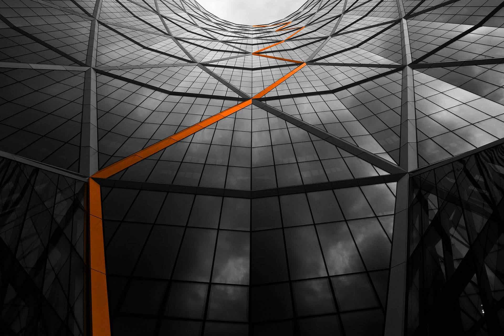vetrata-linea-arancione-servizi-mercomm-agenzia-comunicazione